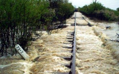CIRCULAŢIA UNOR TRENURI DIN SUD VESTUL ŢĂRII SE DESFĂŞOARĂ DEVIATCFR Călători informează că, din cauza inundaţiilor care perturbă traficul feroviar din sud-vestul ţării, circulaţia unor trenuri InterRegio şi Regio se desfăşoară astfel: